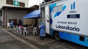 laboratorio móvil detecta casos de Covid-19 en Sacatepéquez