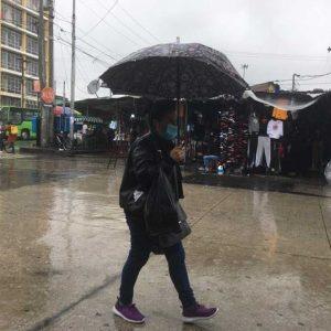 Continúan lluvias en la zona 1