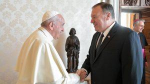 Papa Francisco y Mike Pompeo