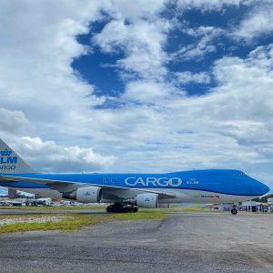 Boeing 747 llega a Guatemala.