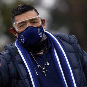 Maradona es aislado por contacto con un supuesto positivo a COVID-19