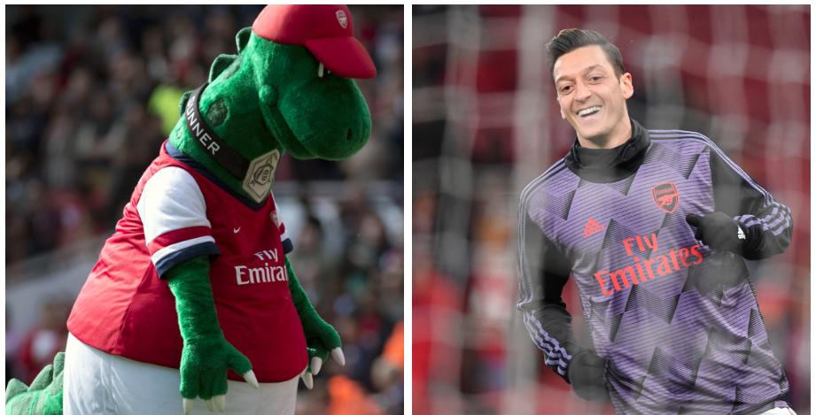 Mesut Ozil mascota Arsenal