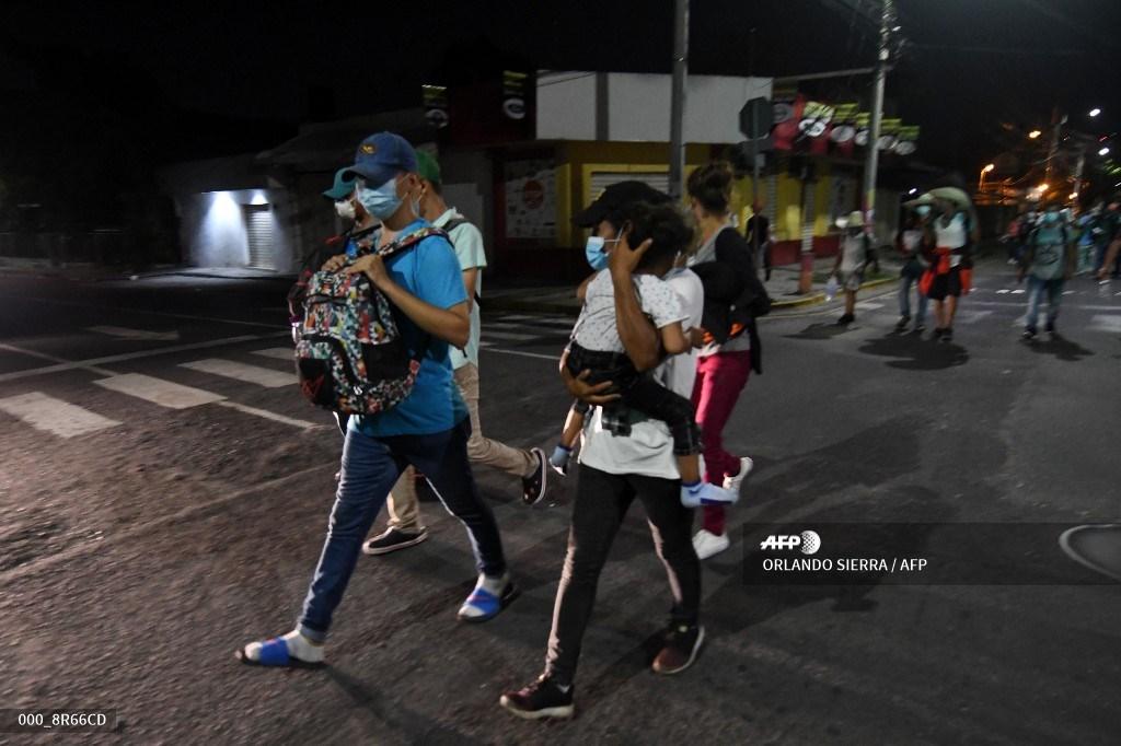 Caravana de hondureños rumbo a Estados Unidos