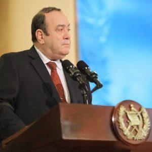 Alejandro Giammattei, presidente de Guatemala, se pronuncia por rechazo al presupuesto 2021.