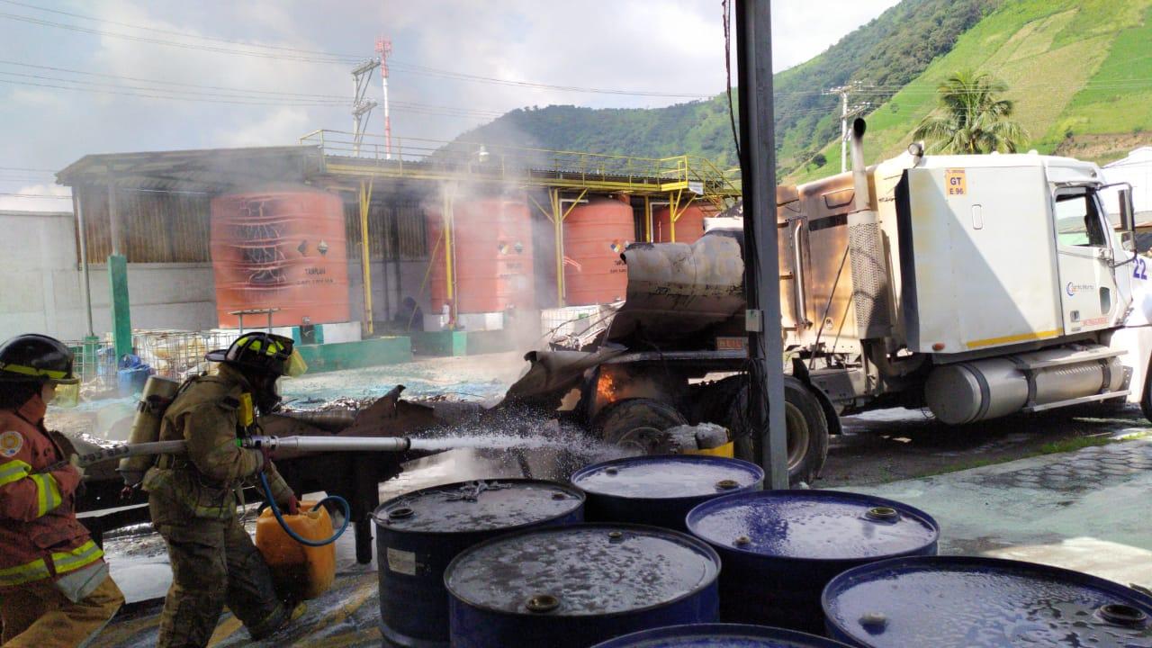 incendio de cisterna en ruta al Pacífico