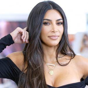 Kim Kardashian deja boquiabiertos a todos al descubrir sus curvas sin pudor