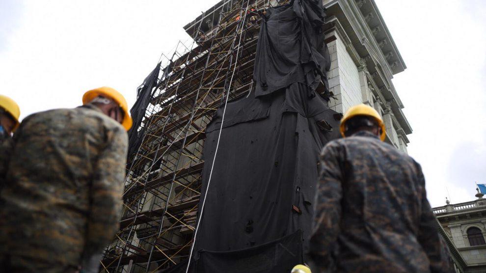 Retiran andamios del Palacio Nacional de la Cultura