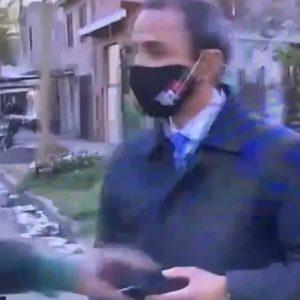 Le roban el celular a periodista