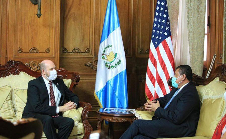 Embajador William Popp y vicepresidente Guillermo Castillo