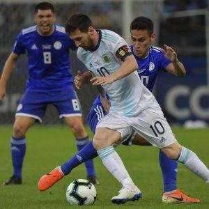 Messi será titular con Argentina contra Paraguay