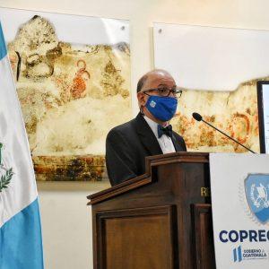 Edwin Asturias, jefe de la Coprecovid, explica las acciones del Ministerio de Salud.