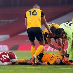 VIDEO. La impactante lesión sufrida por el mexicano Raúl Jiménez tras chocar con David Luiz