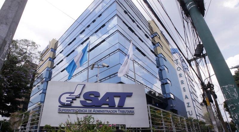 Edificio central de la Superintendencia de Administración Tributaria (SAT).