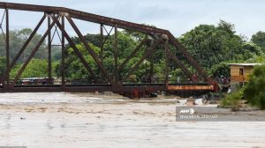 Iota deja inundaciones en Honduras