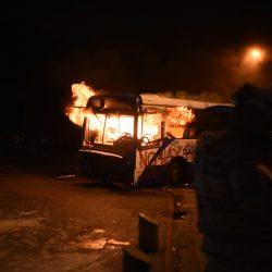 Detienen a dos hombres señalados de quemar un Transurbano