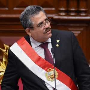 Manuel Merino asume como presidente de Perú