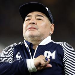 Luto en el futbol mundial, muere Diego Maradona