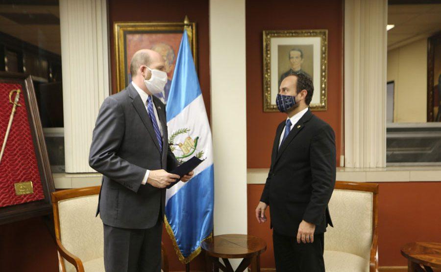 William W. Popp y Pedro Brolo