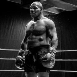 ¡Sí a la marihuana! La pelea Tyson vs Jones permitirá algo inusual
