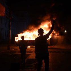 EN IMÁGENES. Caos, anarquía, heridos y un bus quemado en el Centro Histórico