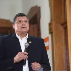 Vicepresidente pide investigar excesivo actuar de la PNC y quema del Congreso