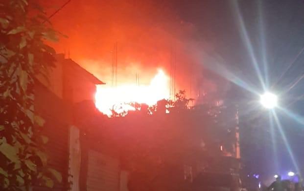 Incendio en la zona 4 de Villa Nueva.
