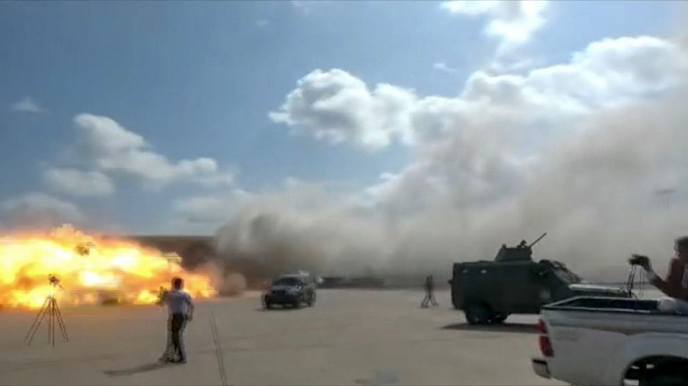 Explosiones en aeropuerto de Adén, en Yemen