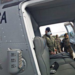 Ejército entrega helicópteros