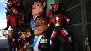 Piñatas de Alejandro Giammattei y Allan Rodríguez