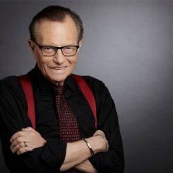 Muere el legendario presentador Larry King tras dar positivo por COVID-19