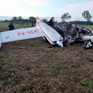 Avioneta incinerada en Petén