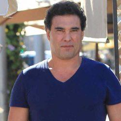 Otra vez, Eduardo Yáñez explota contra reportero, lo insulta y le da manotazo