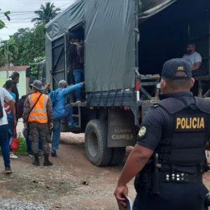 Hondureños remitidos a Migración por la PNC