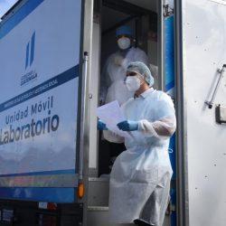 Salud registra cifra récord de 8 mil 492 pruebas de Covid-19 analizadas