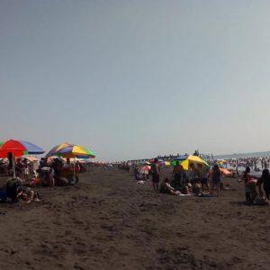 Playas del Puerto San José lucieron abarrotadas