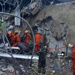 VIDEOS. Captan momento del terremoto en Indonesia; van más de 40 muertos