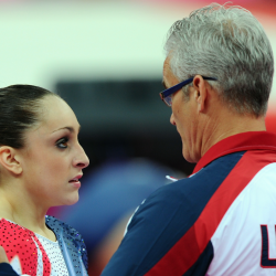 Acusado de abuso sexual exentrenador olímpico se quita la vida
