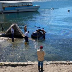 Helicóptero cae en lago de Atitlán