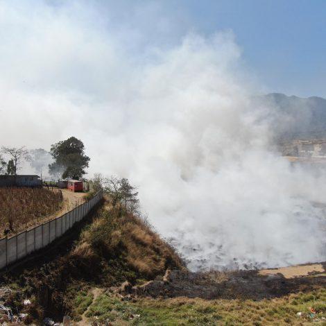 Incendio en el vertedero de basura de Villa Nueva.