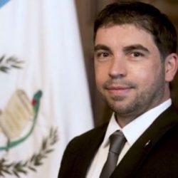 Viceministro de cultura vinculado con pruebas falsas se defiende con proceso de licitación
