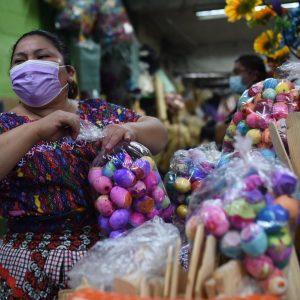 Vendedora de cascarones del Mercado Central