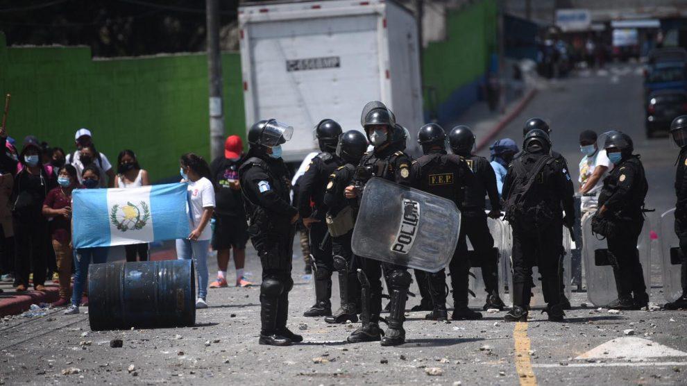 Continúa enfrentamiento entre vecinos y supuestos invasores en Nimajuyú