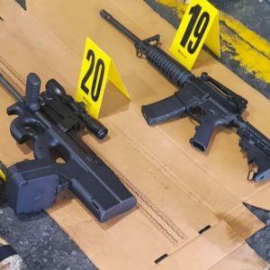 """Incautan armas de fuego ilegales en el operativo """"Espejo transnacional""""."""