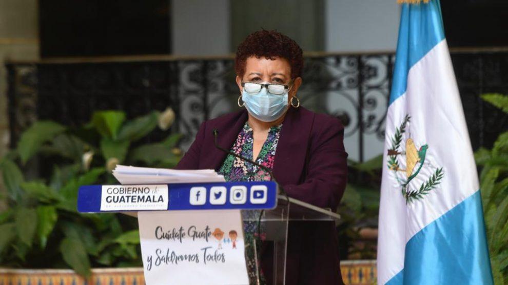 Ministra de salud Amelia Flores