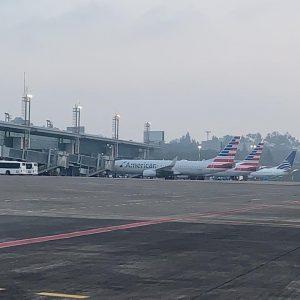 Aeropuerto La Aurora retoma operaciones tras caída de ceniza