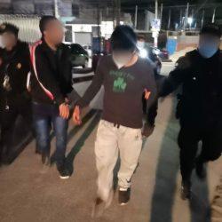 Hombres capturados tras intentar subir a una mujer a un carro por la fuerza