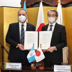 Firman convenio para el desarrollo del atletismo en el país