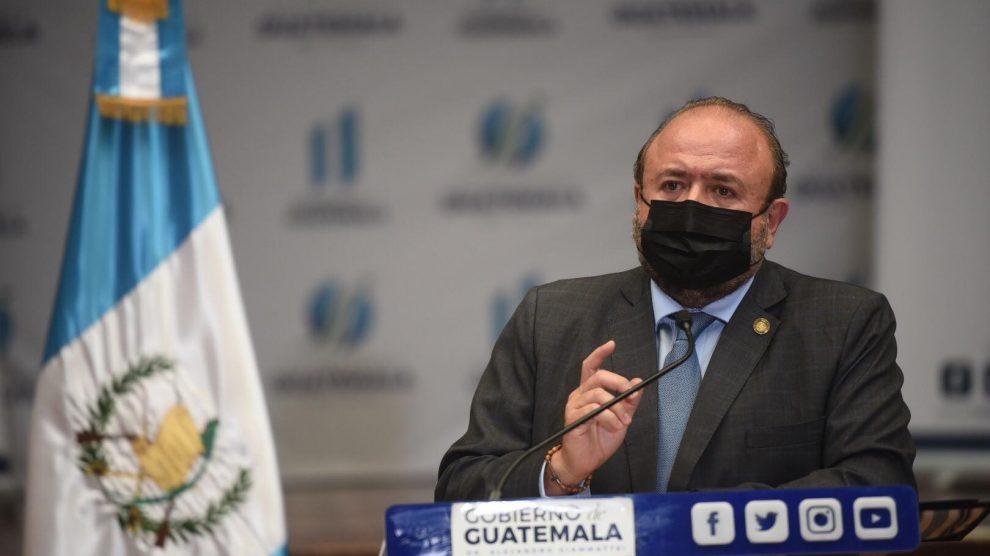 Antonio Malouf, ministro de Economía, da a conocer las estrategias para la reconstrucción por las depresiones tropicales Eta e Iota.