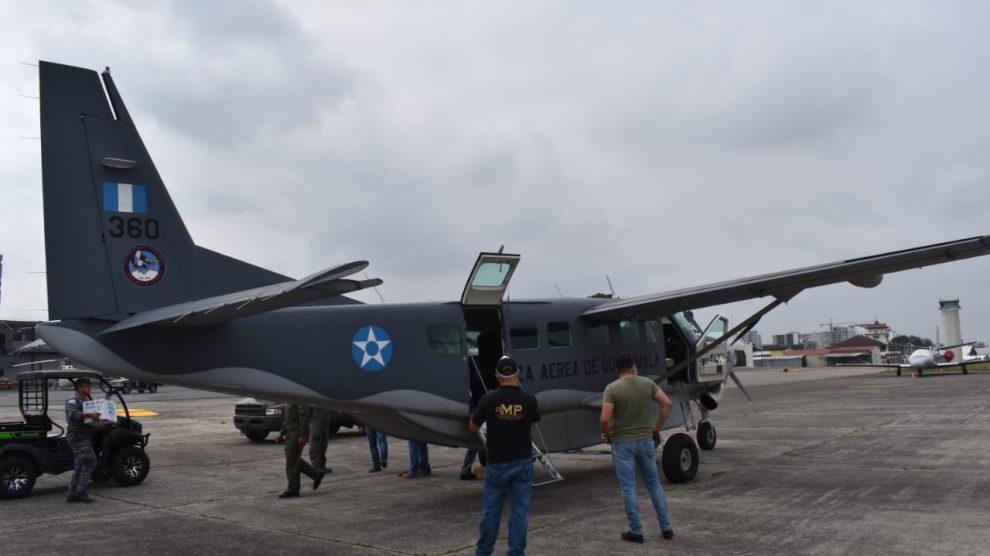 Personal del Ministerio Público (MP) se traslada a la Sierra Lacandón, en donde fue localizada droga y una aeronave incinerada.