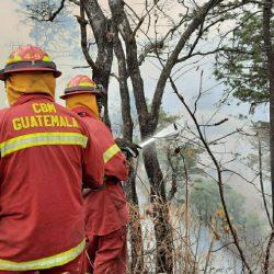 Fallecen dos miembros de la BRIF de Conred que combatían incendio en Mixco